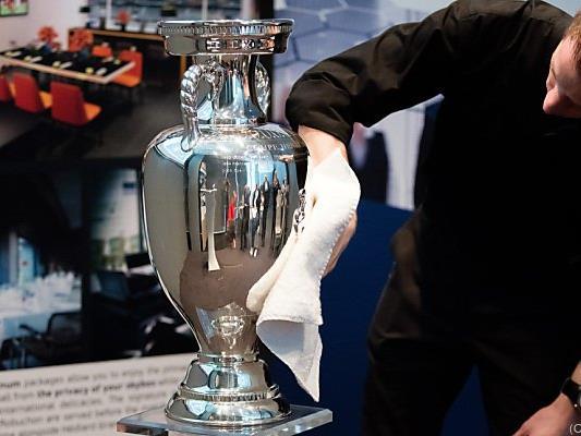Neben dem Henri Delaunay Pokal gibt es auch bis 27 Mio. Euro zu holen
