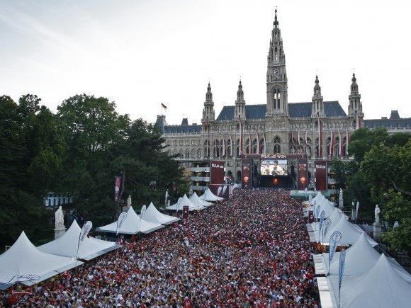 Die Fan-Arena auf dem Wiener Rathausplatz.