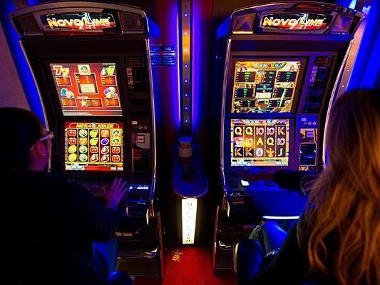 Bei der Kontrolle eines illegalen Glücksspiel-Lokals trat Reizgas aus