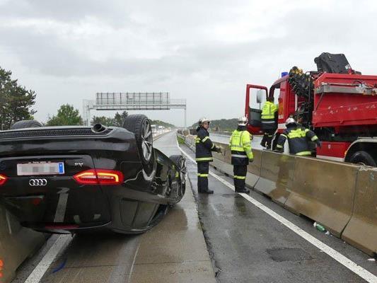 Der Unfall auf der A2 führte zu Stau und Verzögerungen im Frühverkehr.