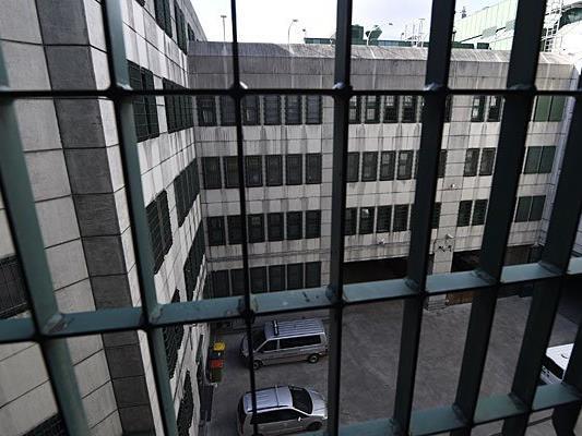 In der Justizanstalt Josefstadt kam es zu einer versuchten Geiselnahme mit einem Verletzten
