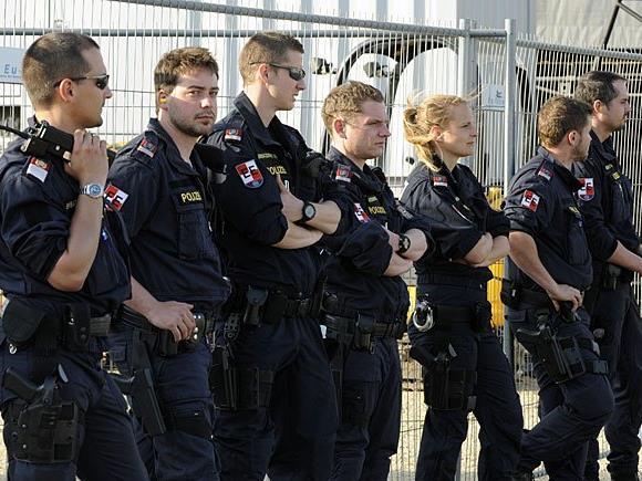 Beim Nova Rock gab es ein den Festival-Dimensionen entsprechenes Polizeiaufgebot