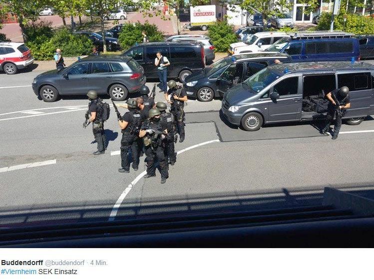 Erste Bilder aus Viernheim kamen über Twitter.