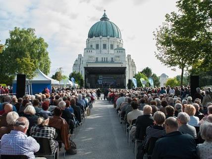Das Open-Air Konzert am Zentralfriedhof lockt mit freiem Eintritt