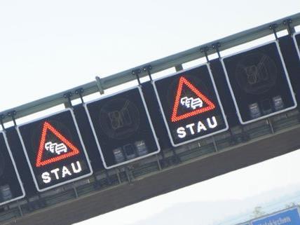 An mehreren Orten in Wien kommt am Samstag zu zähem Stau.