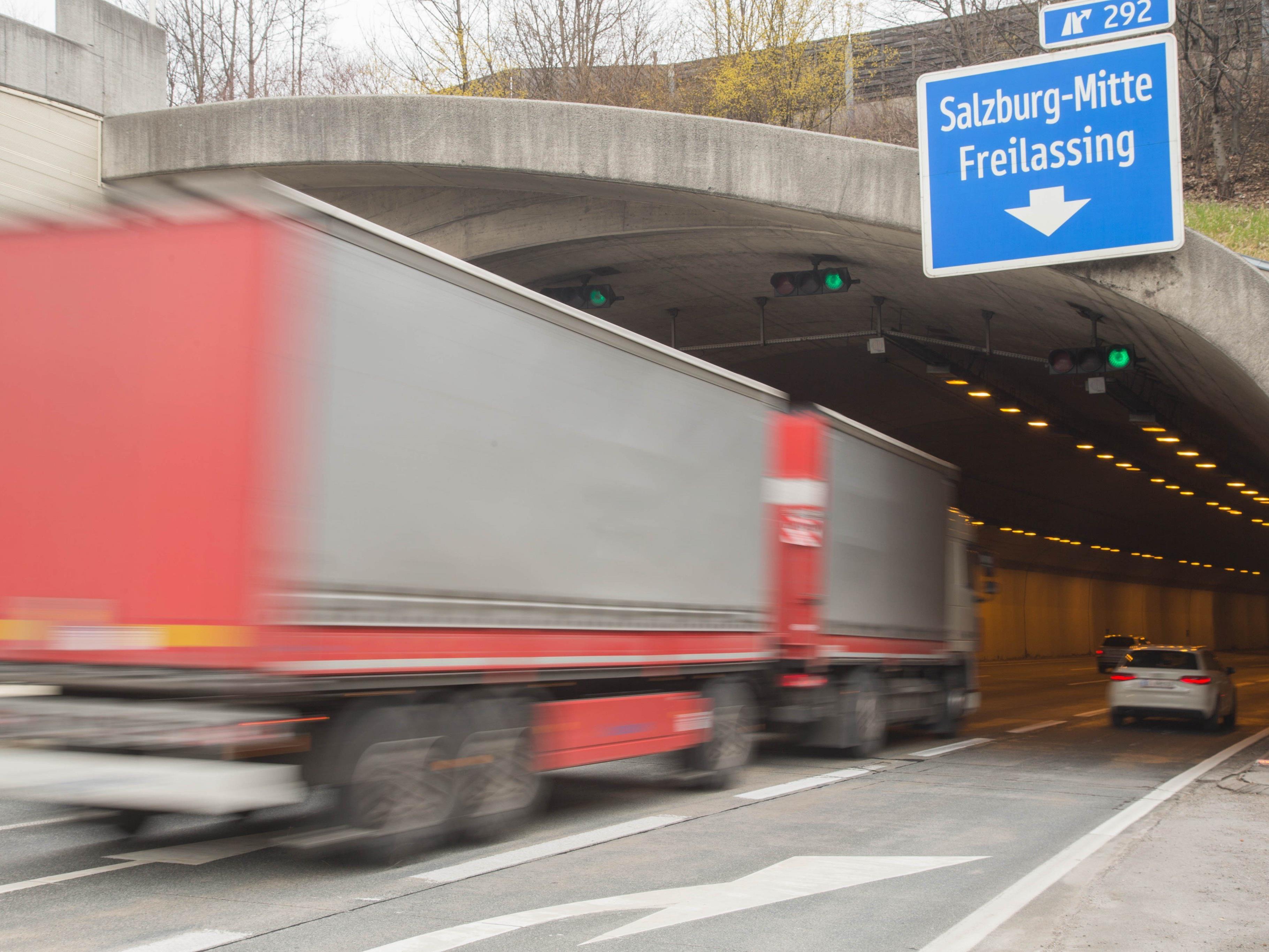 Die Baustelle beim Lieferinger Tunnel wird die kommenden Monate zum Nadelöhr.