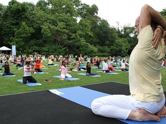 Beim Yoga-Event im Wiener Stadtpark