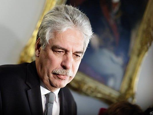 Finanzminister Schelling gegen Bankomatgebühr für eigene Bankkunden
