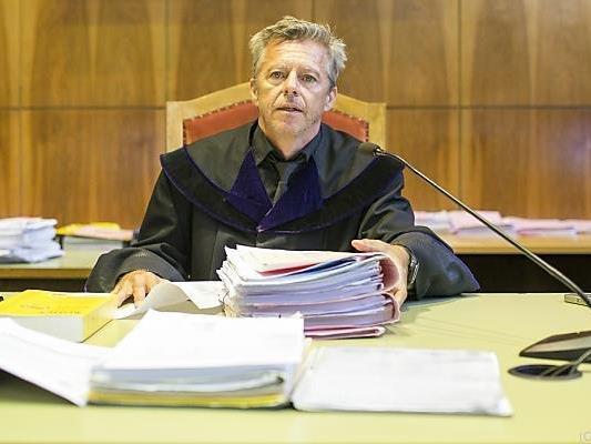 Richter Raimund Frei bei der Urteilsverkündung