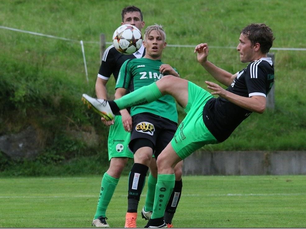 Langenegg Stürmer Thiago de Lima spielt gegen SW Bregenz