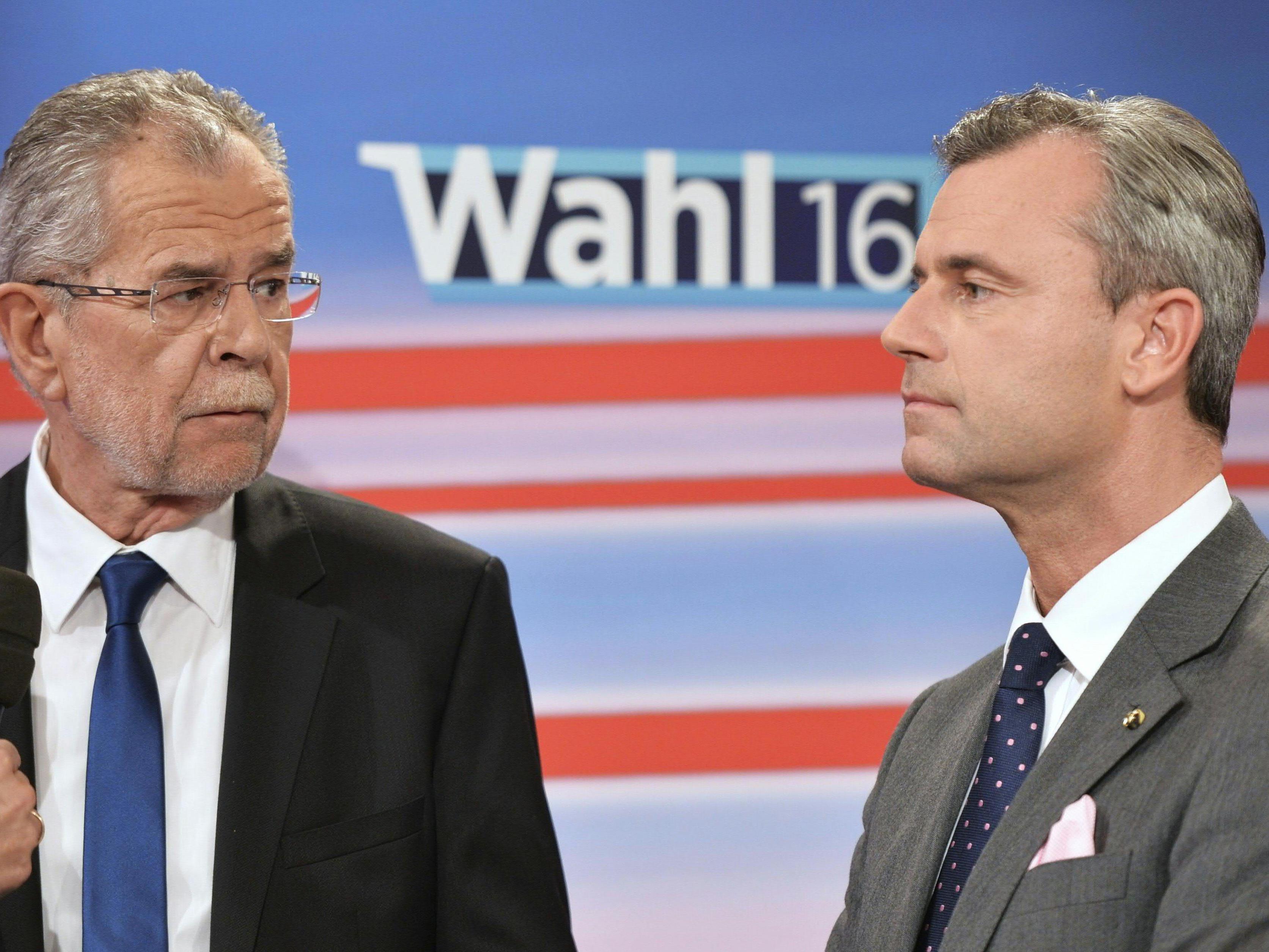 Die Kandidaten Alexander Van der Bellen und Norbert Hofer müssen noch einmal zur Wahl antreten.