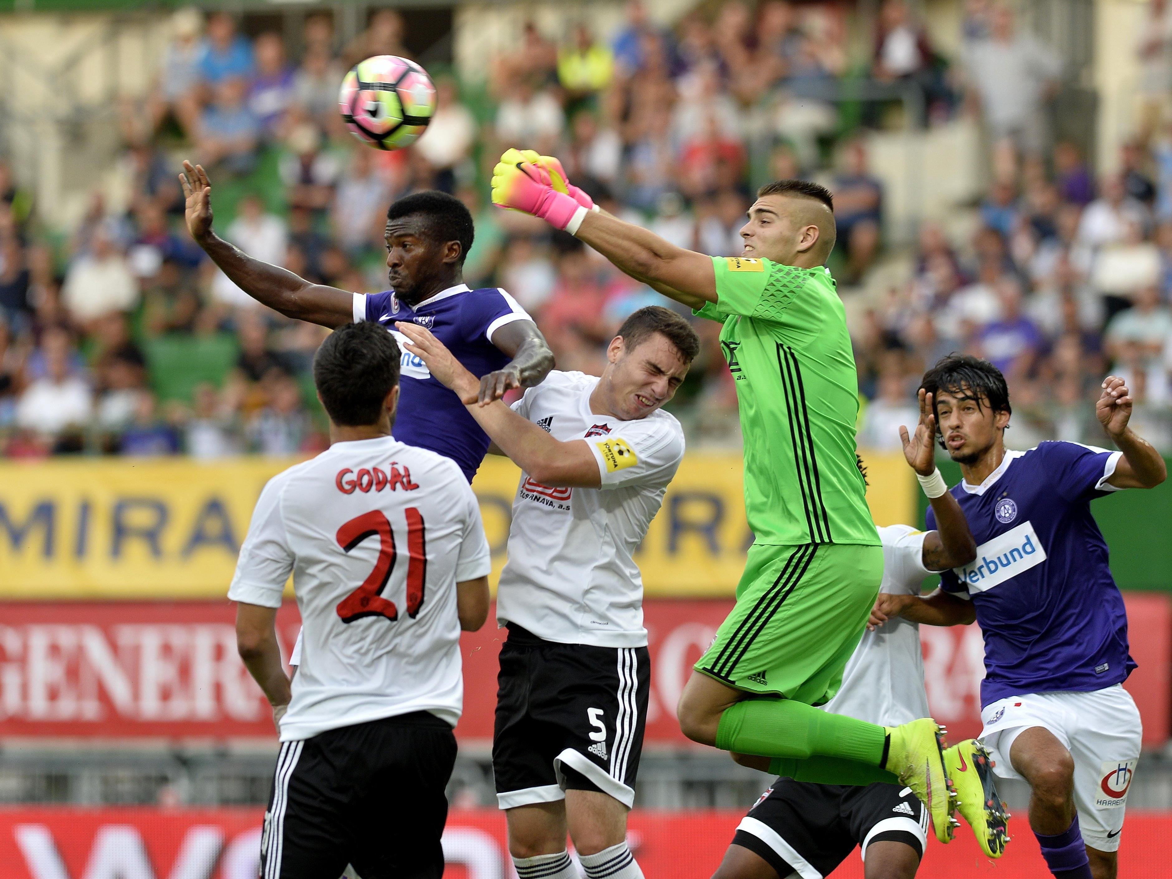 d01db6aeff Die Austria ist bereits in der dritten Qualifikationsrunde der Europa  League ordentlich unter Druck.