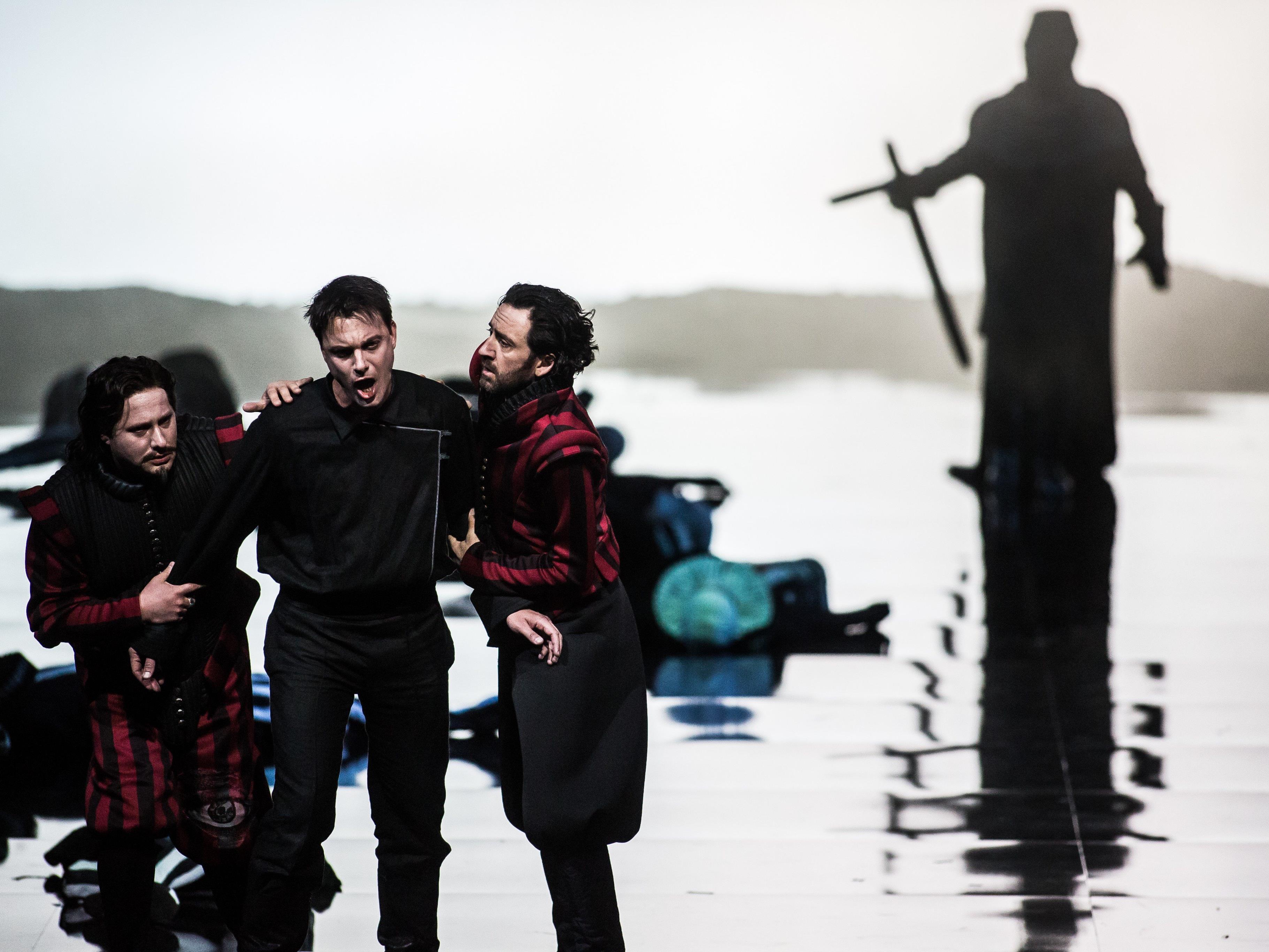 """Intendantin Sobotka """"unglaublich glücklich"""" über Hamlet-Erfolg."""
