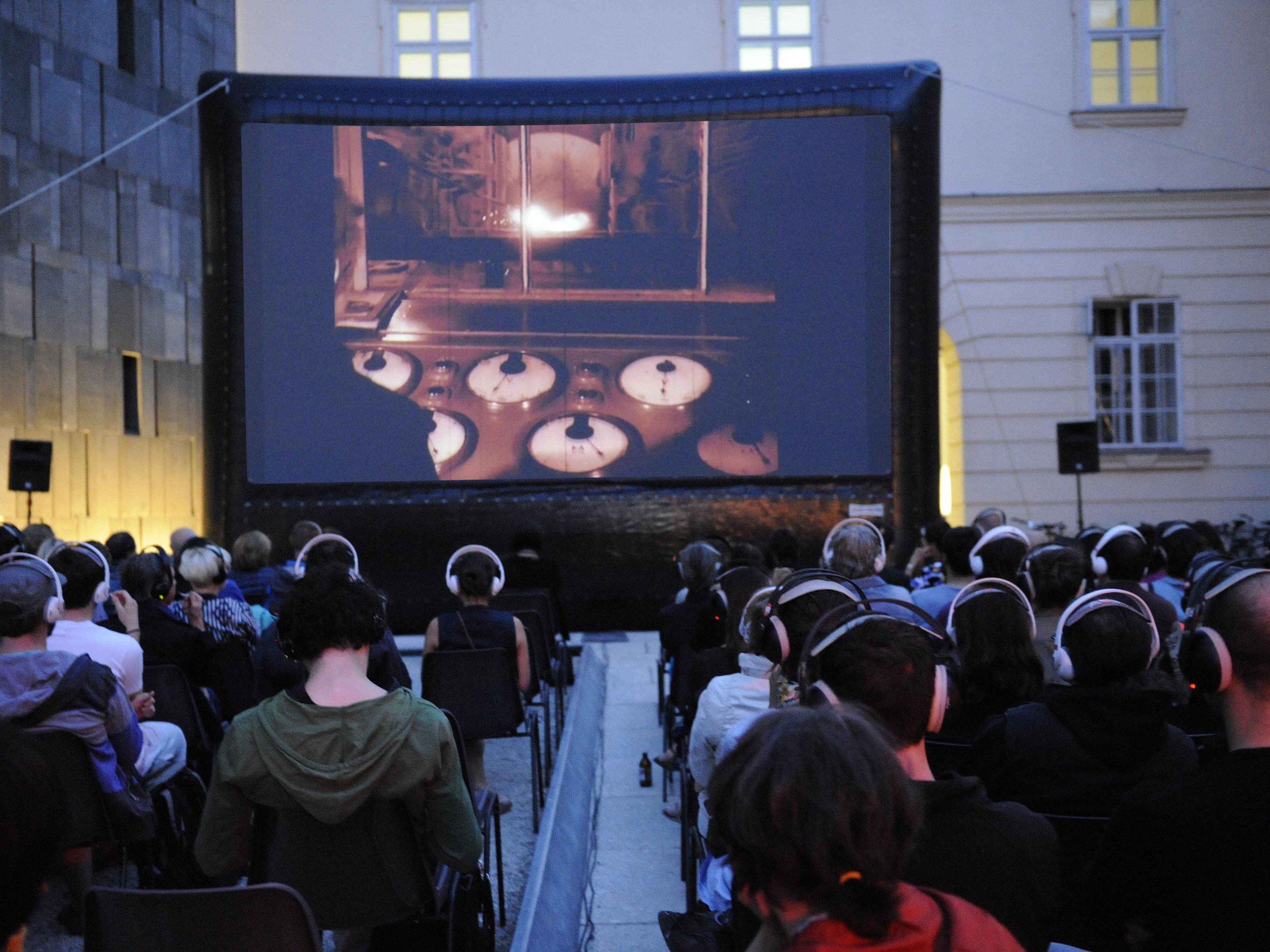 Beim Filmfestival frame[o]ut im MuseumsQuartier