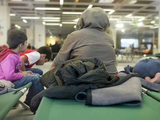 """Das """"Dokumentationszentrum für Intoleranz und Diskriminierung gegen Christen in Europa"""" fordert eine getrennte Unterbringung von Flüchtlingen verschiedenen Glaubens"""