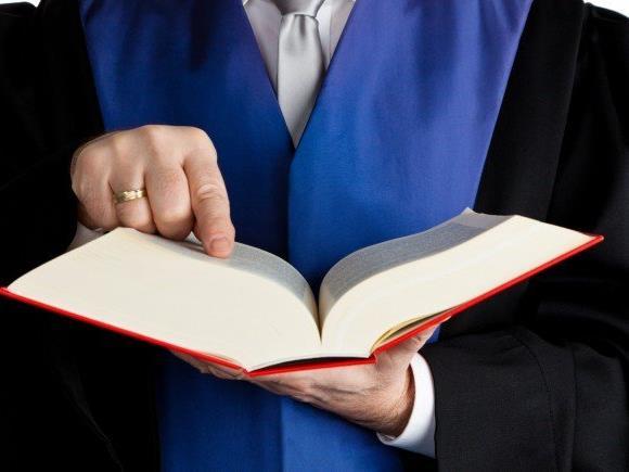 Tatsachengeständnis mildernd - Urteil nicht rechtskräftig.