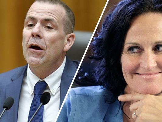 Grüne und NEOS haben den Opfern des Münchner Amoklaufes am Samstag ihre Anteilnahme ausgesprochen. Die FPÖ bezweifelt indes einen Amoklauf.