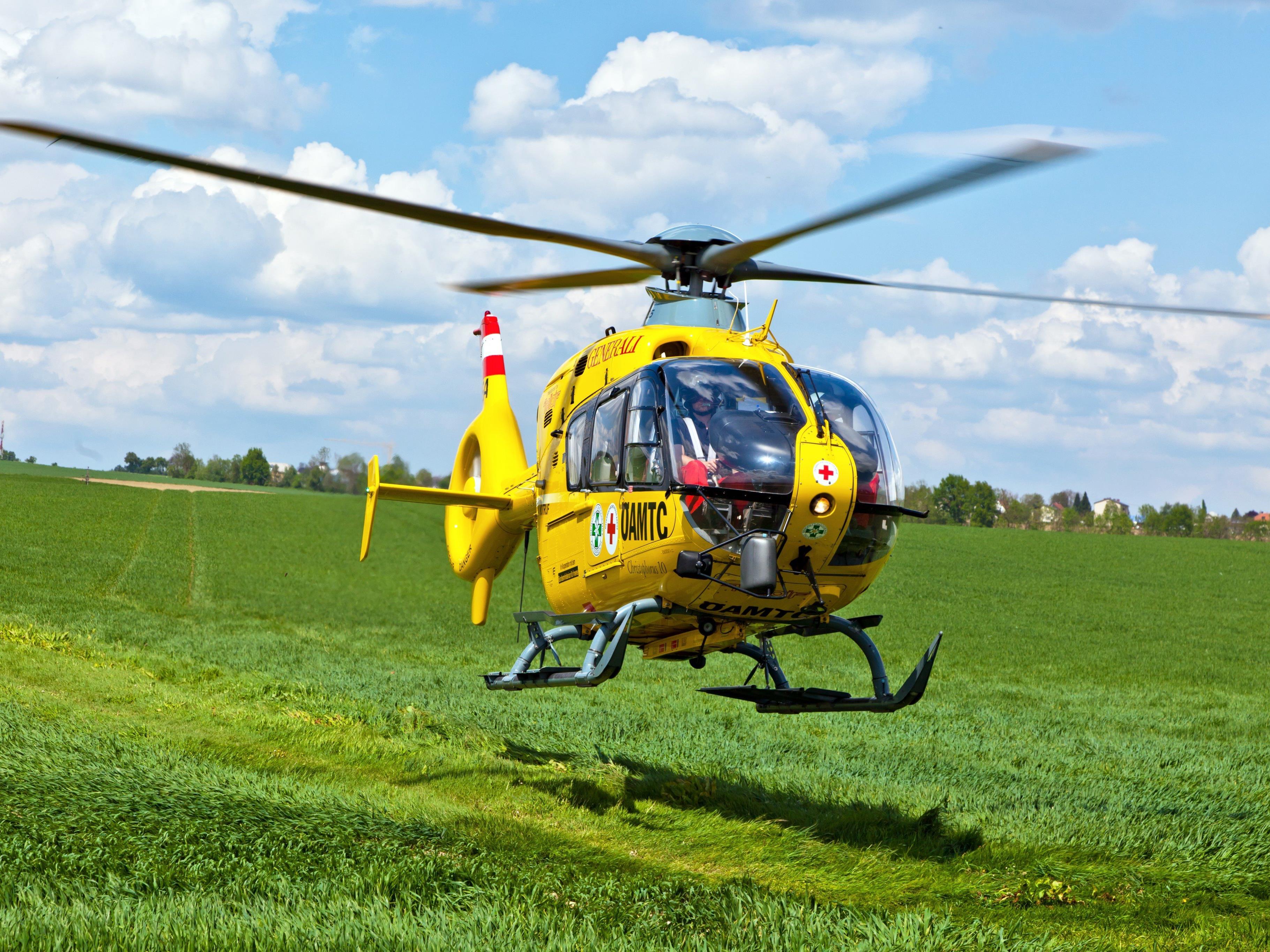 Der 65-Jährige wurde ins Landeskrankenhaus Salzburg geflogen. (Symbolbild)