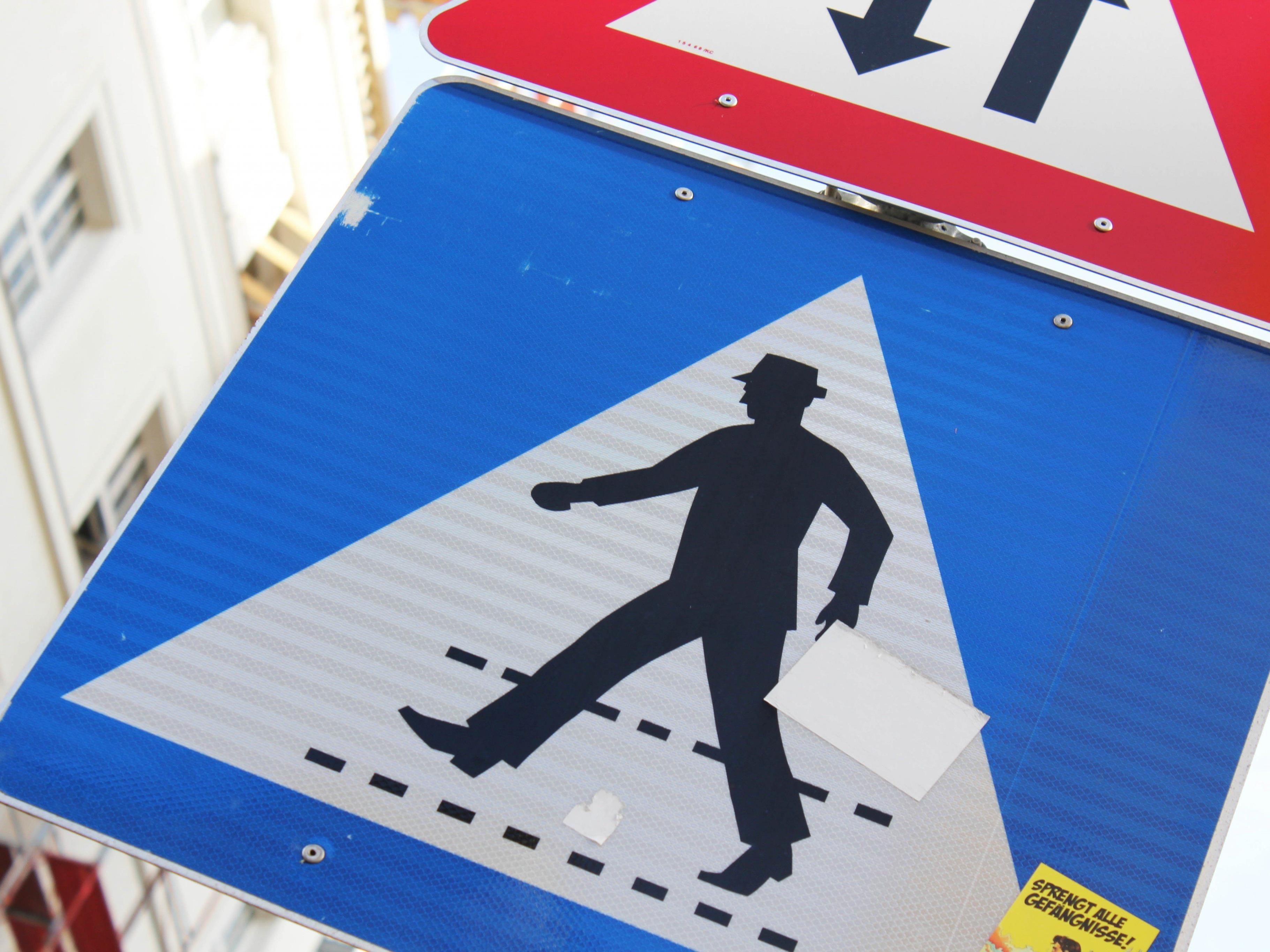 Ein 66-jähriger Mann wurde am Sonntagabend bei einem Verkehrsunfall getötet.