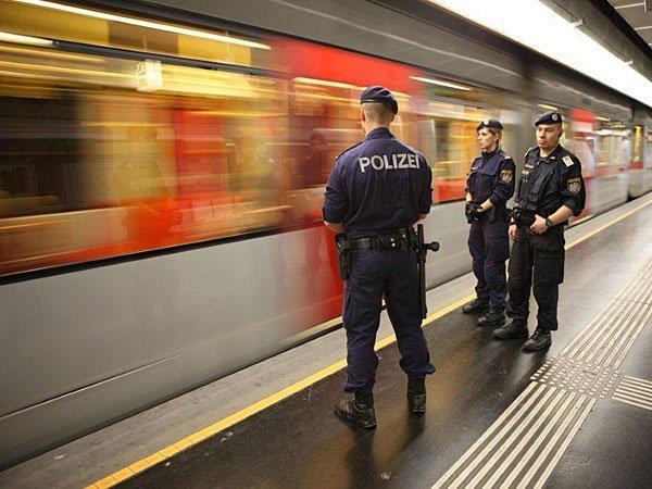 Bei der U6 konnten Polizisten einen mutmaßlichen Dealer verhaften