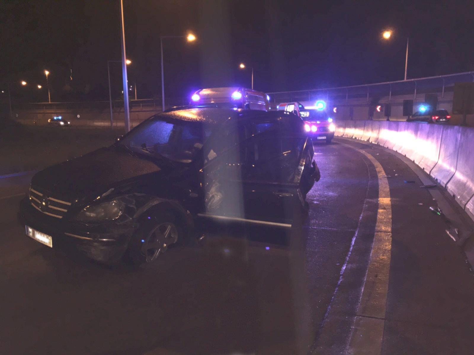 Das verunfallte Auto in Wien-Floridsdorf.