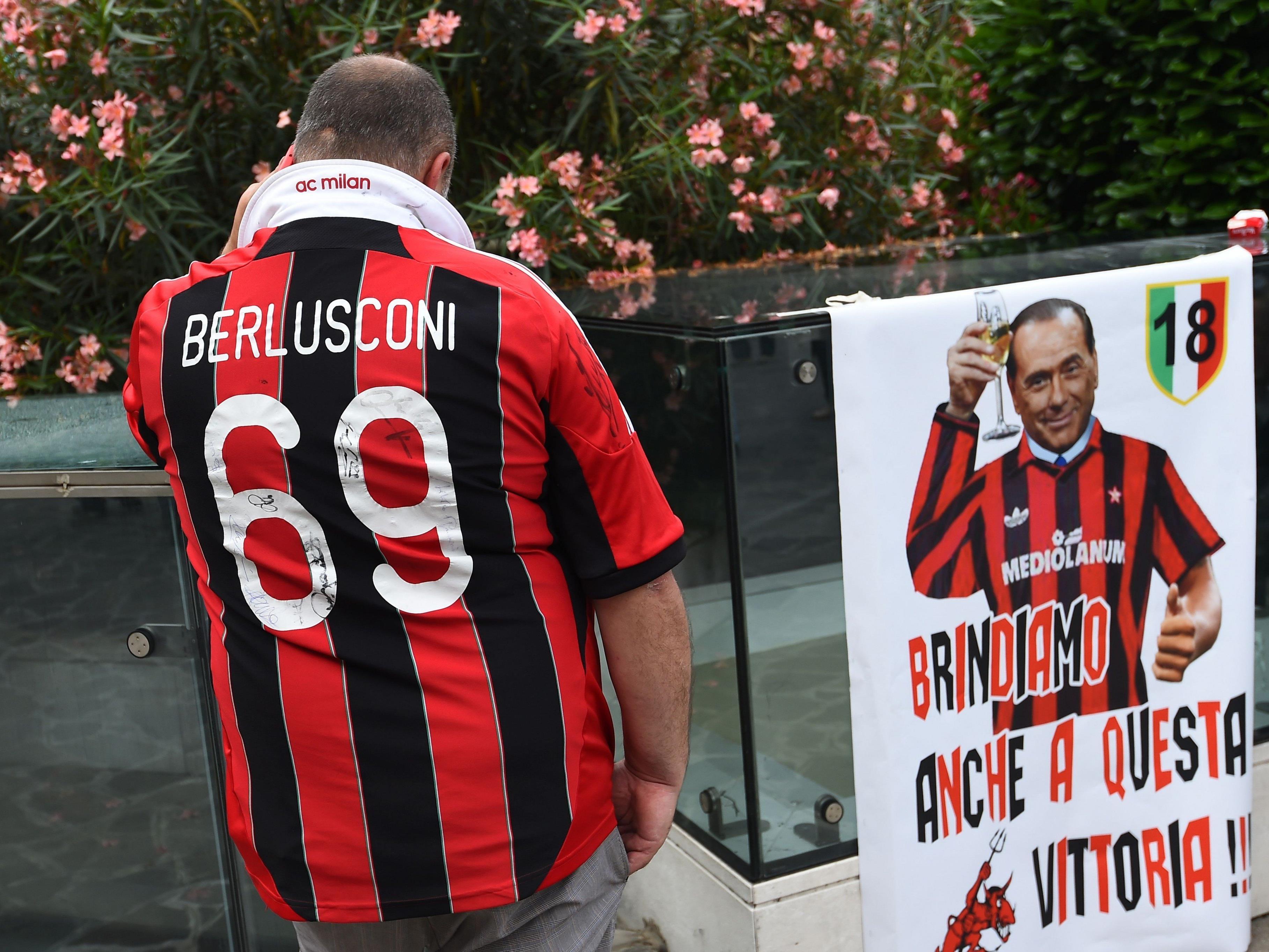 Berlusconi verkauft den AC Mailand.