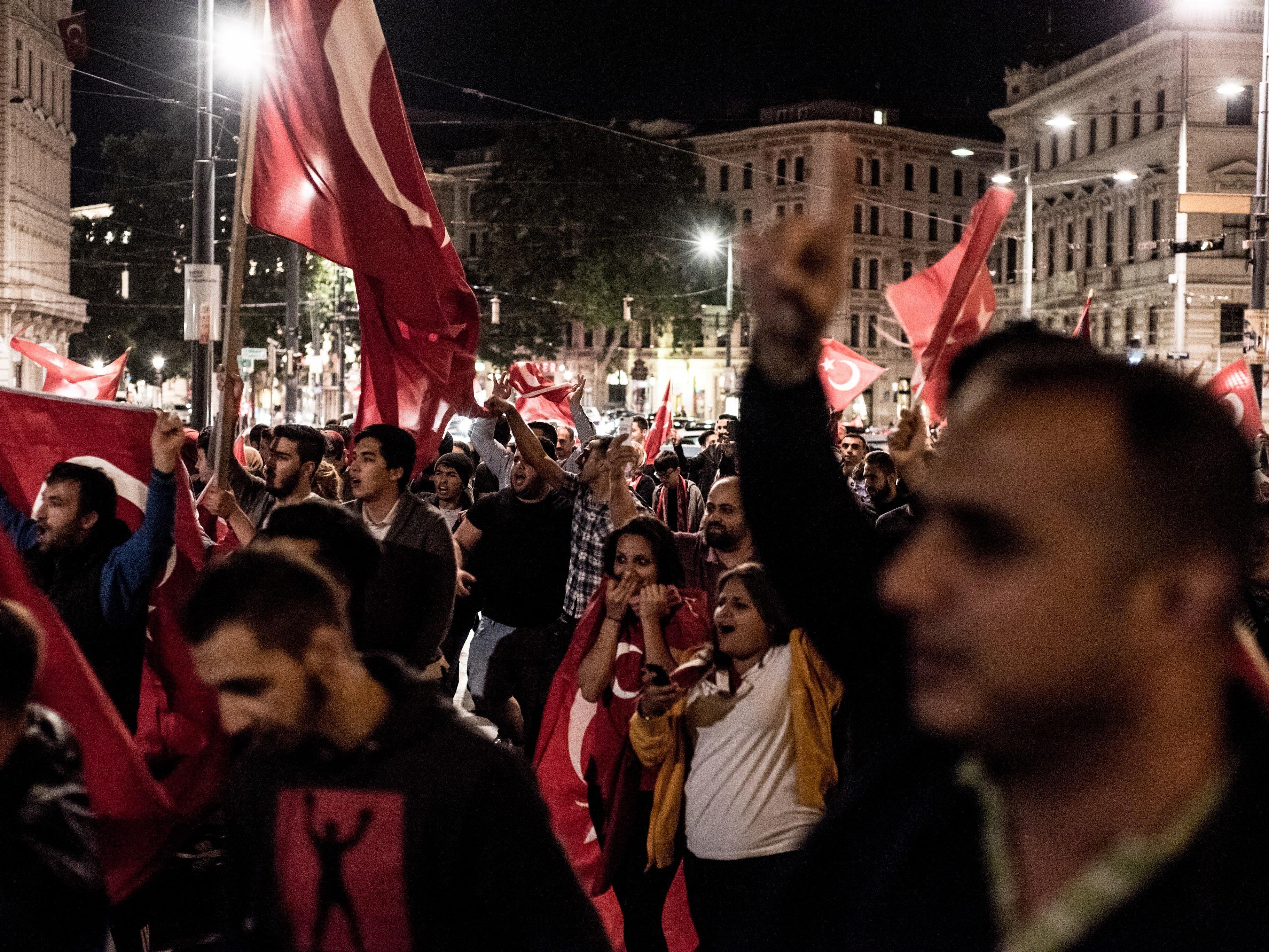 Mitte Juli bei der Spontandemo in Wien wegen des Putschversuchs des Militärs in der Türkei