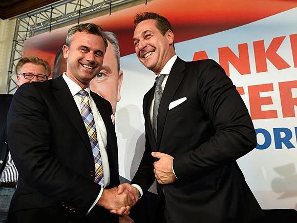 FPÖ-Präsidentschaftskandidat Norbert Hofer (l.) und Bundesparteiobmann Heinz Christian Strache
