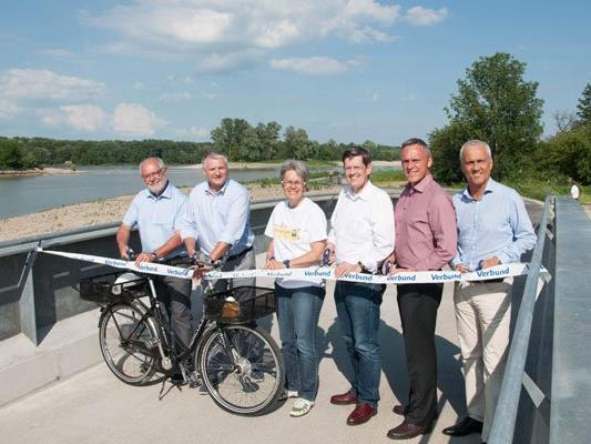 Die neue Aulandschaft für den Donauradweg wurde offiziell eröffnet.