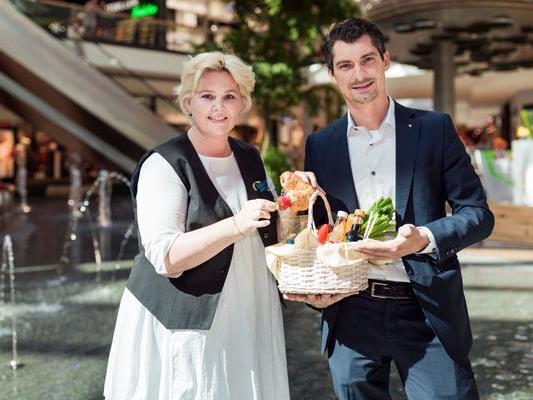 """huma eleven Center-Manager Stephan Kalteis freut sich auf kulinarische Genüsse beim 1. """"Picknick & Bühne""""."""