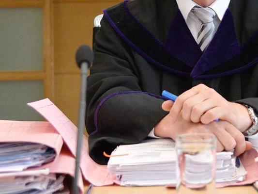 Spannend ist es am Freitag im Wiener Landesgericht in einem Prozess um das Rauschmittel Kath zugegangen.