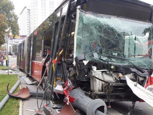 Der Fahrer des Linienbusses erlitt einen Kreislaufkollaps.