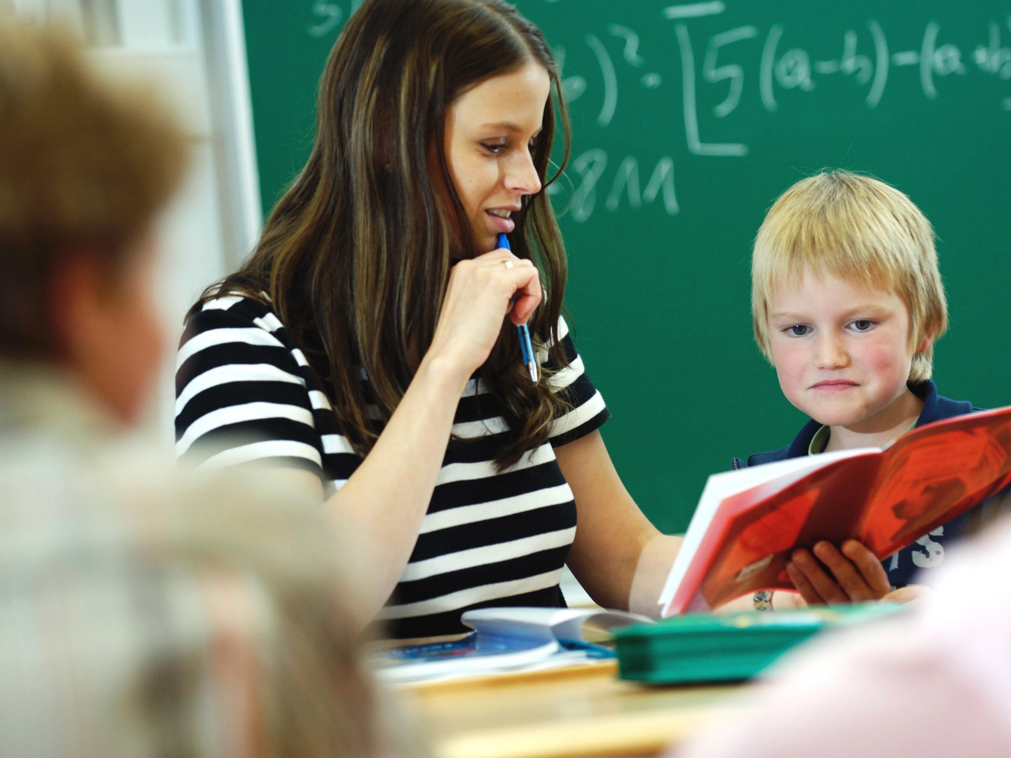 Geht es nach dem Experten, gibt es zu wenige Lehrer mit Migrationshintergrund.
