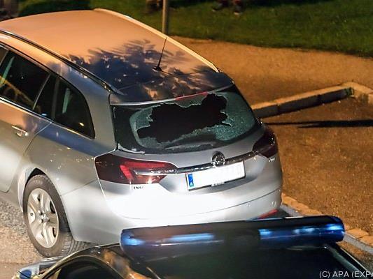 Der Mann beschädigte mit seinen Schüssen geparkte Autos