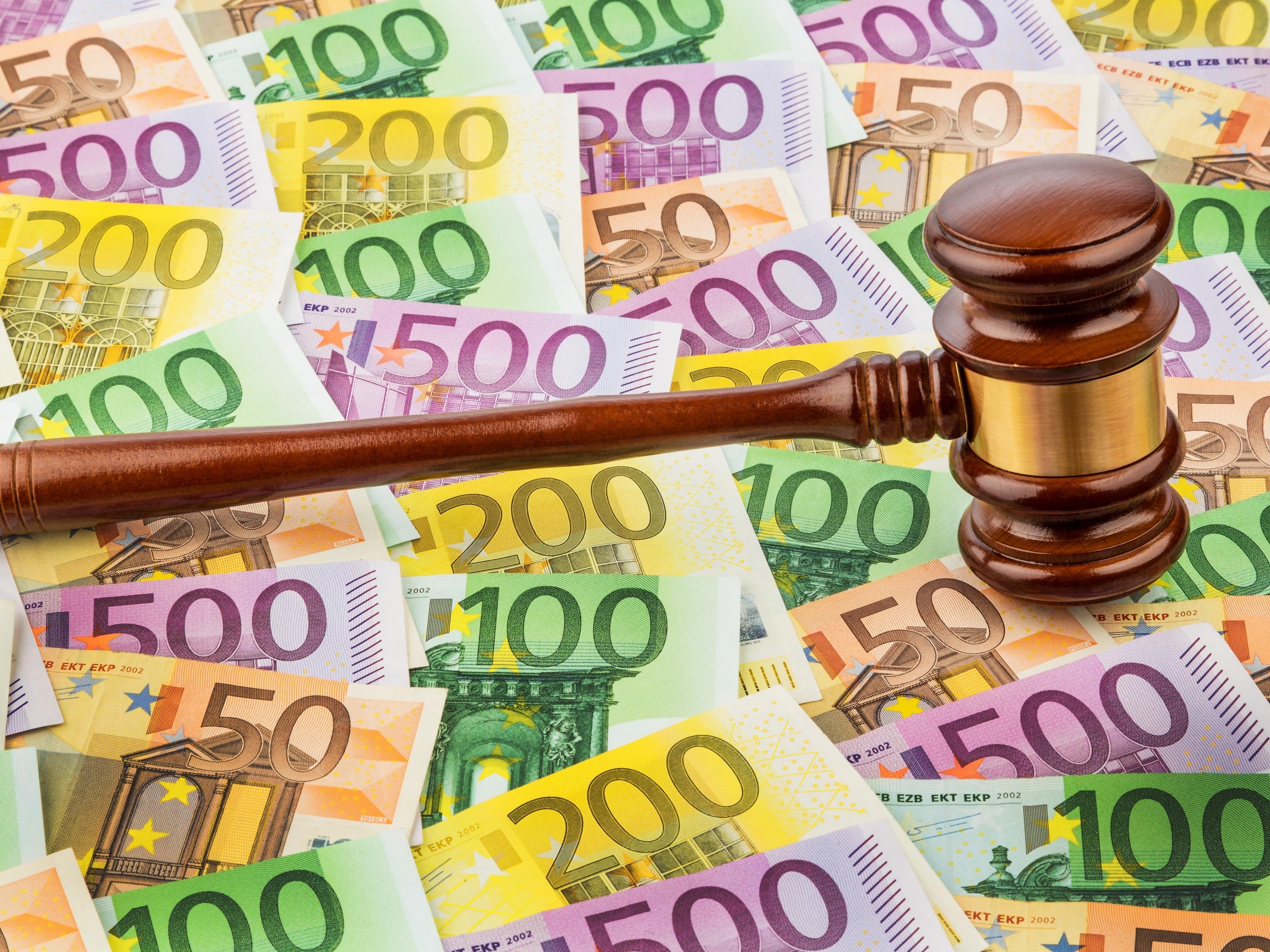Die Polizistin bekommt 20.000 Euro (Symbolbild).