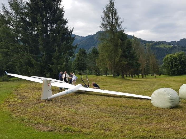 Das Flugzeug wurde erheblich beschädigt.