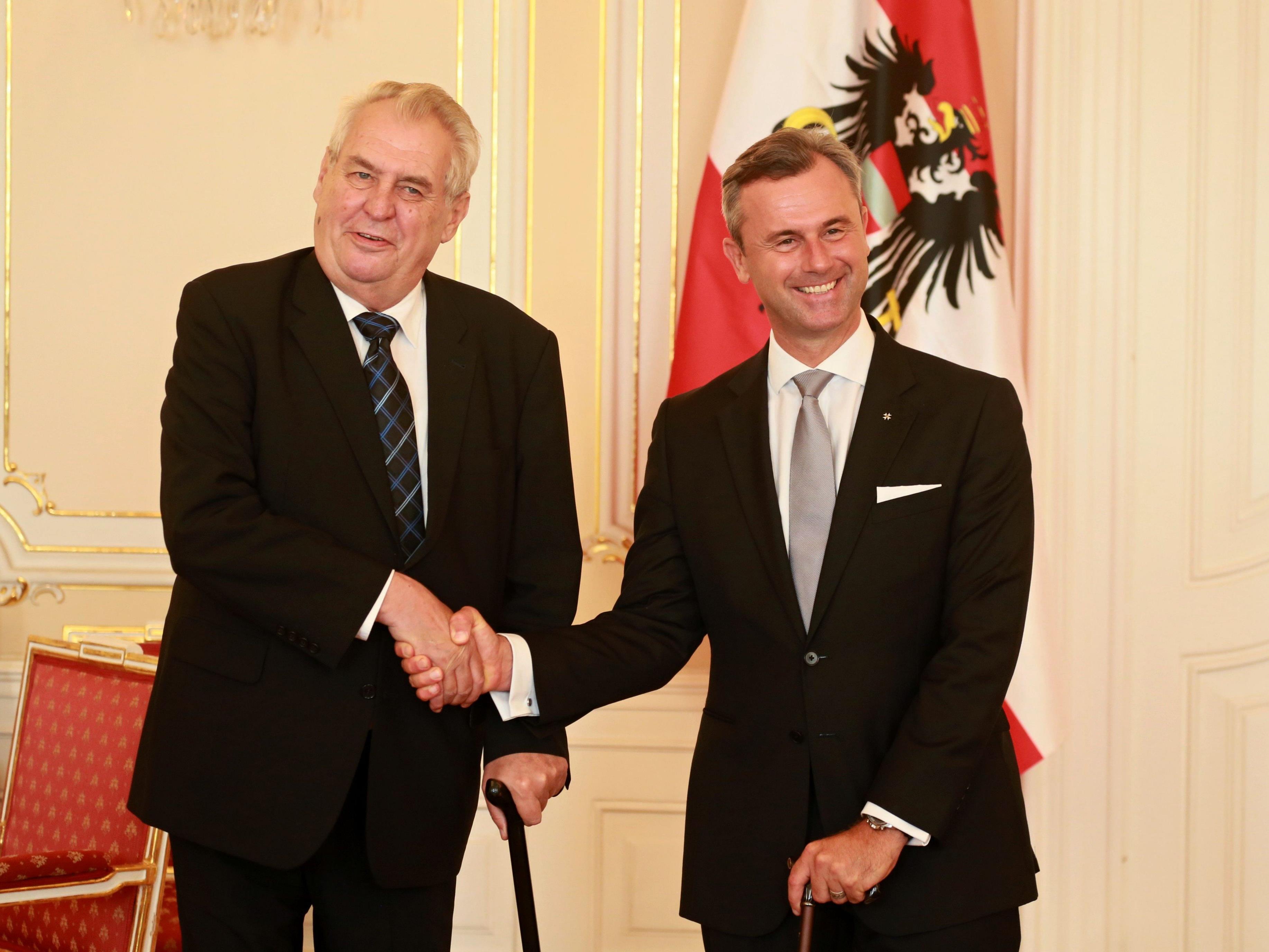 Der tschechische Präsident traf BP-Kandidat Hofer in Prag