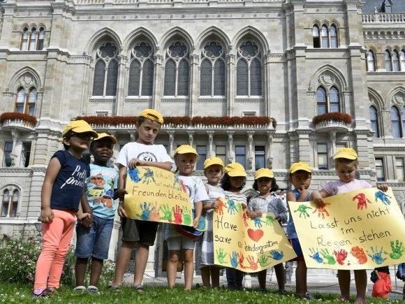 Wegen der hohen laufenden Kosten der Kindergartenstandorte hofft man auf eine rasche Lösung.