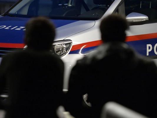 Ein Pkw-Lenker bedrohte einen Mann in Floridsdorf mit einer Waffe