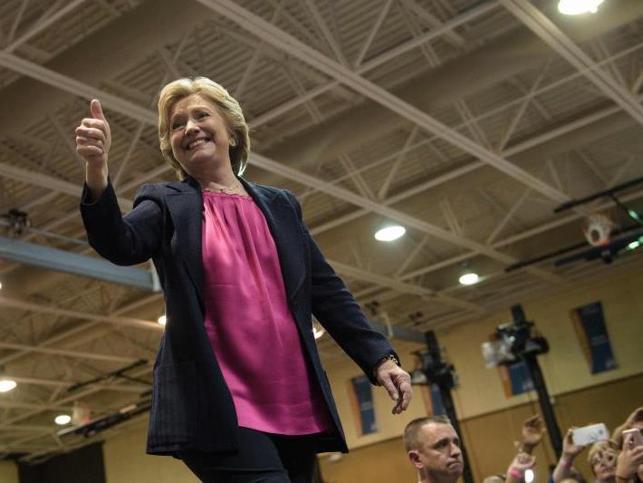 Clinton liegt auch in Österreich eindeutig vorne.