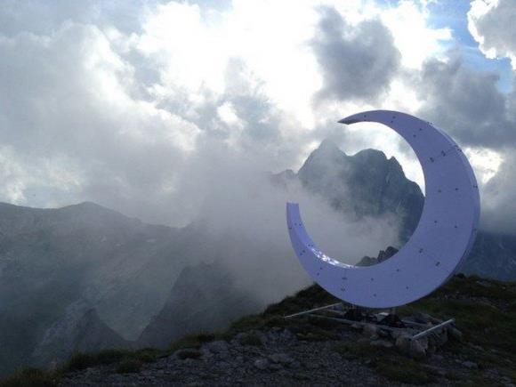 Gipfelkreuz vs. Halbmond