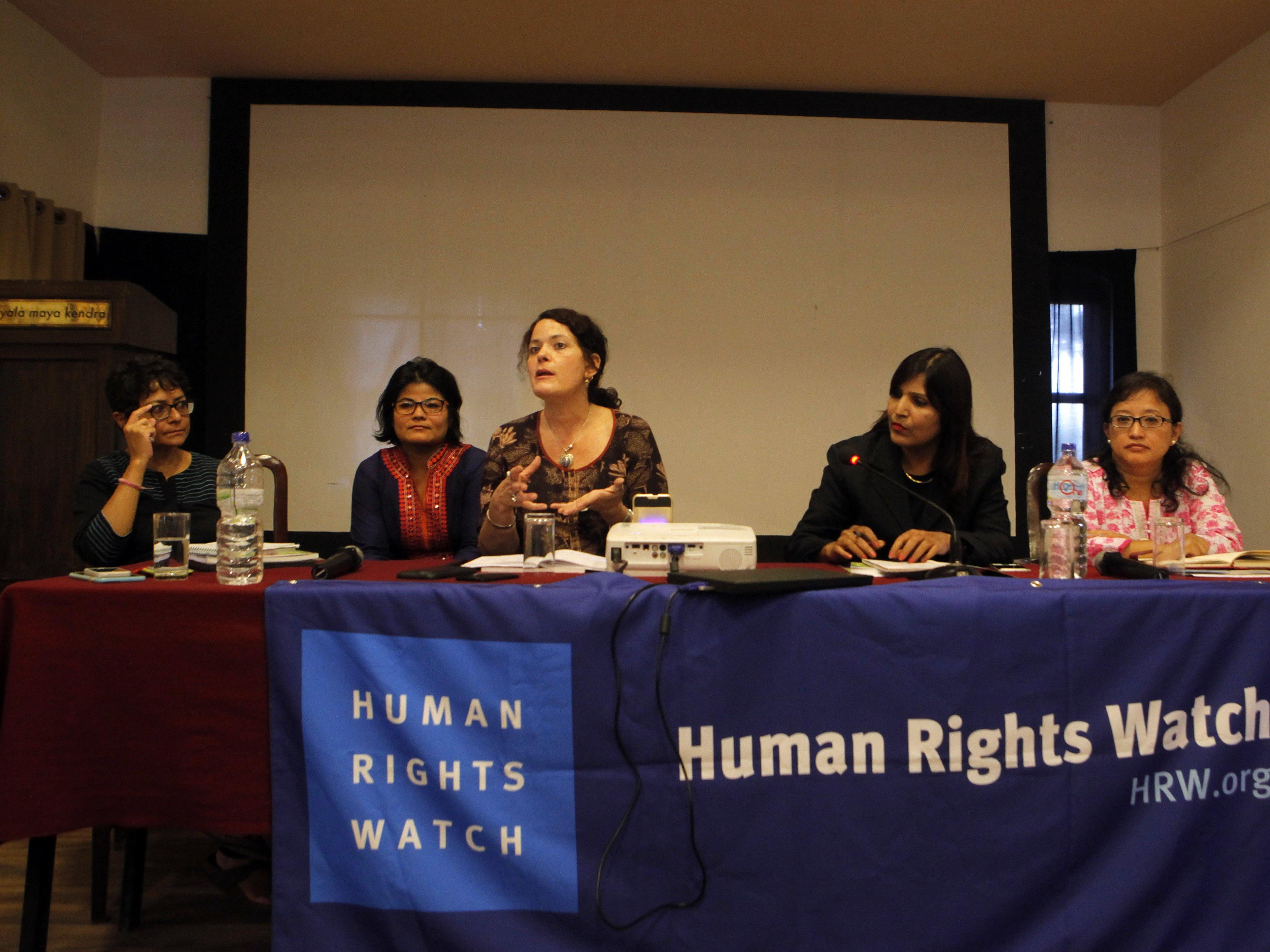 Die HRW kritisiert die nepalesische Regierung.