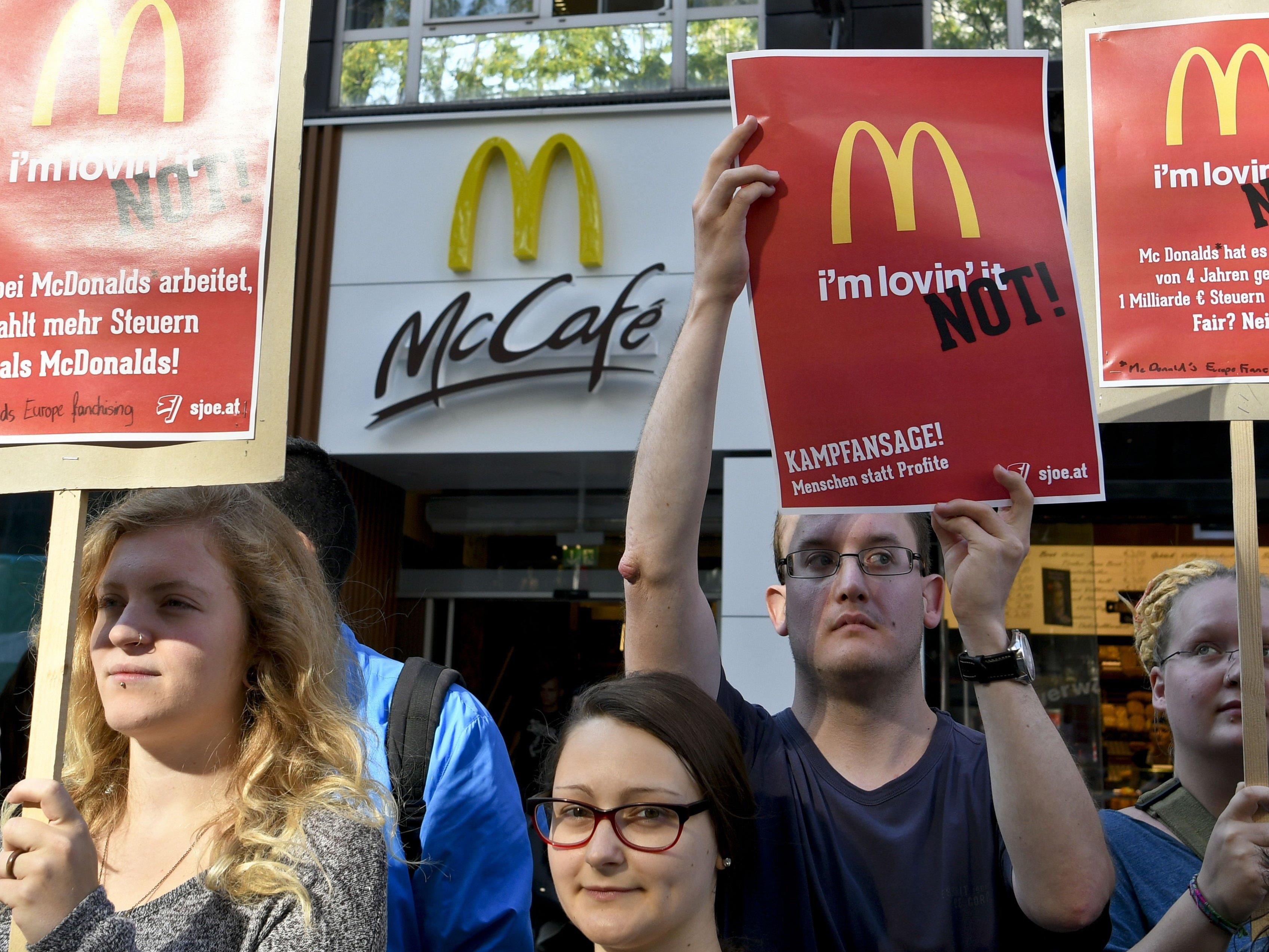 Bei der Protestaktion der Sozialistischen Jugend Österreichs (SJÖ)