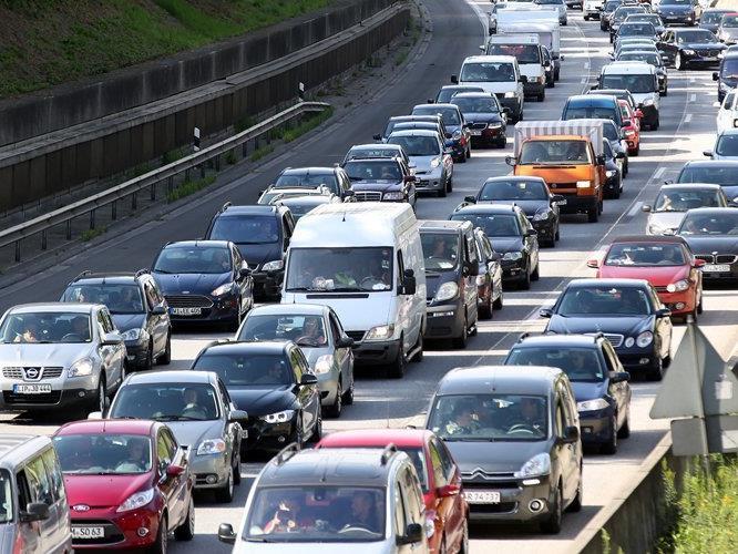 Vor allem in Richtung Deutschland wir mit verstärktem Verkehrsaufkommen gerechnet (Symbolbild).