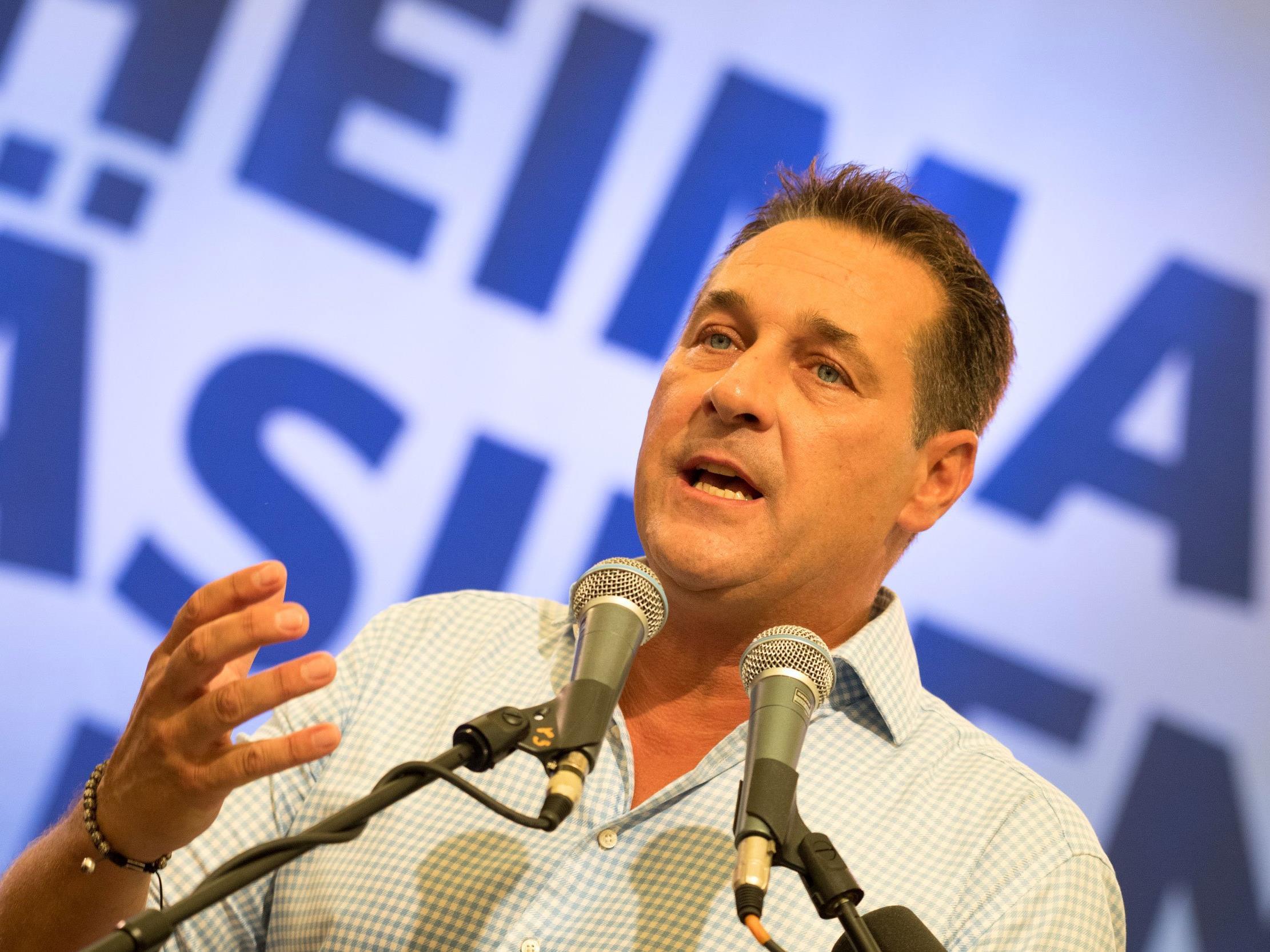 """FPÖ-Chef Strache unterzog sich neuerlichem Test nach Aufforderung von """"Falter""""-Chefredakteur Klenk"""