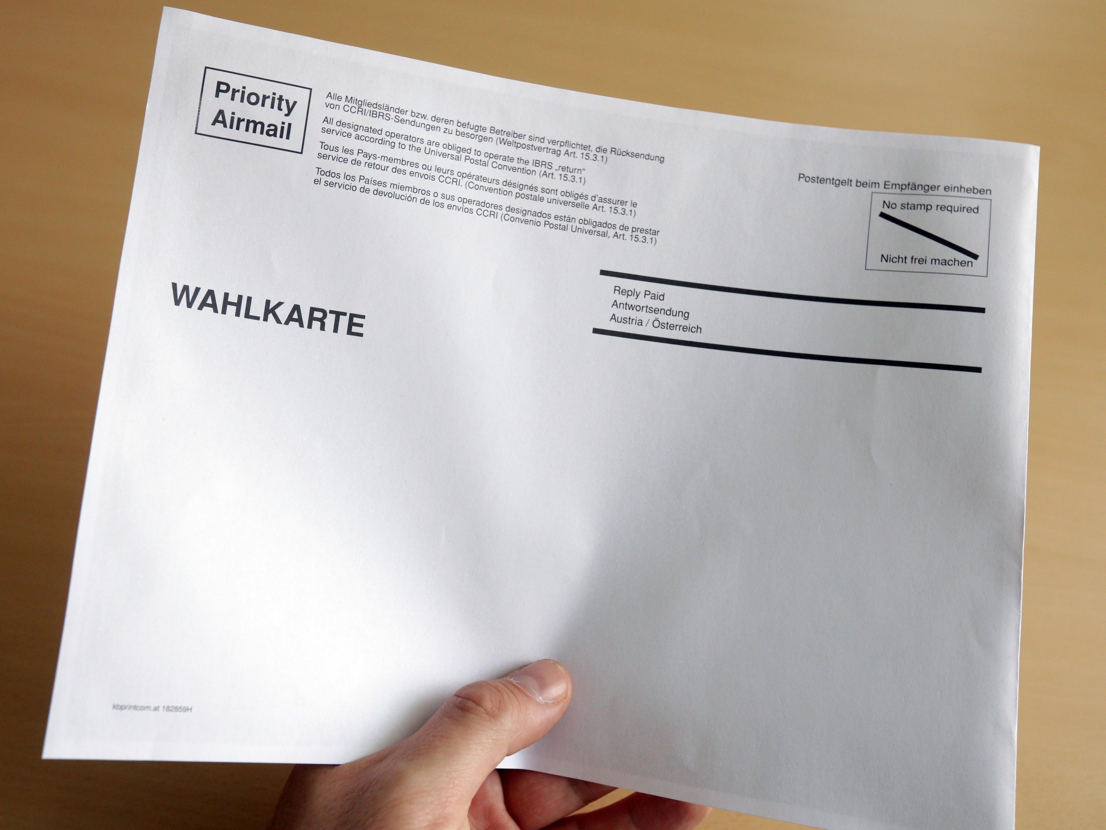Einige der Wahlkarten-Kuverts waren schadhaft