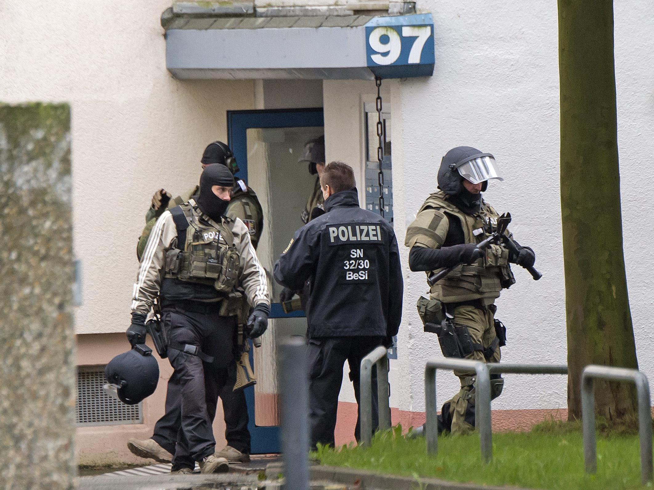 Polizei prüft nach Sprengstofffund in Chemnitz 80 ernst zu nehmende Hinweise.