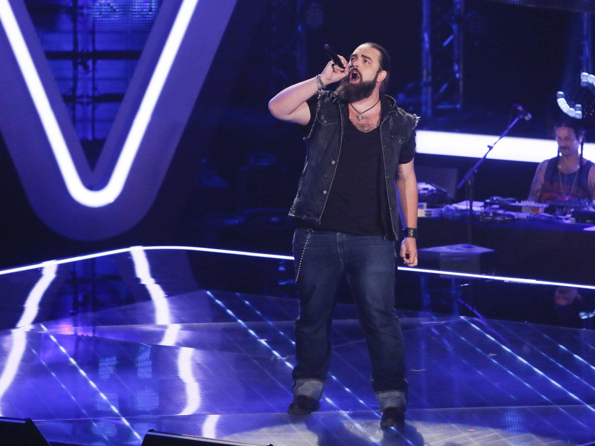 The Voice of Germany: Talent Michael singt zweistimmig mit sich selbst.