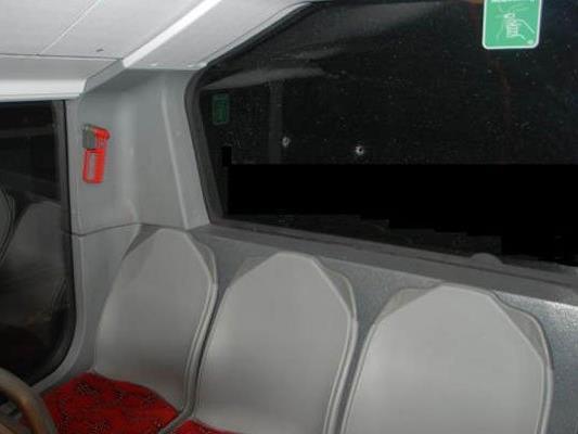 Die Schusslöcher im Wiener Linienbus