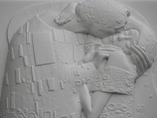"""Mittels 3D-Druck wird Gustav Klimts """"Kuss"""" auch für Blinde erlebbar."""
